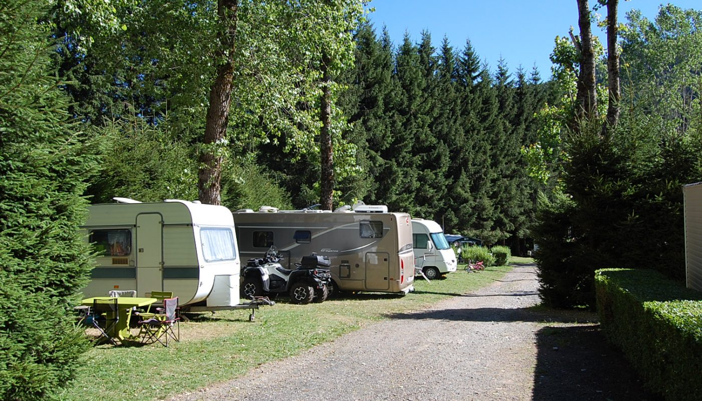 emplacements camping Les Clarines auvergne